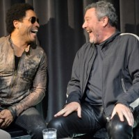 Juluis_Lenny Kravitz para Kartell_Mademoiselle de Philippe Stark 07